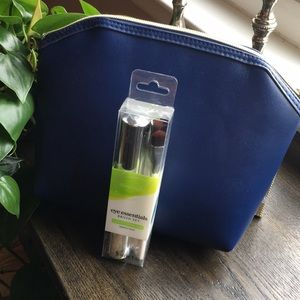 Other - 🌟HOST PICK🌟 Makeup Bag & Compact Eye Brushes